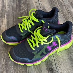 Under Armour women's 6.5 4D Foam Running Shoes